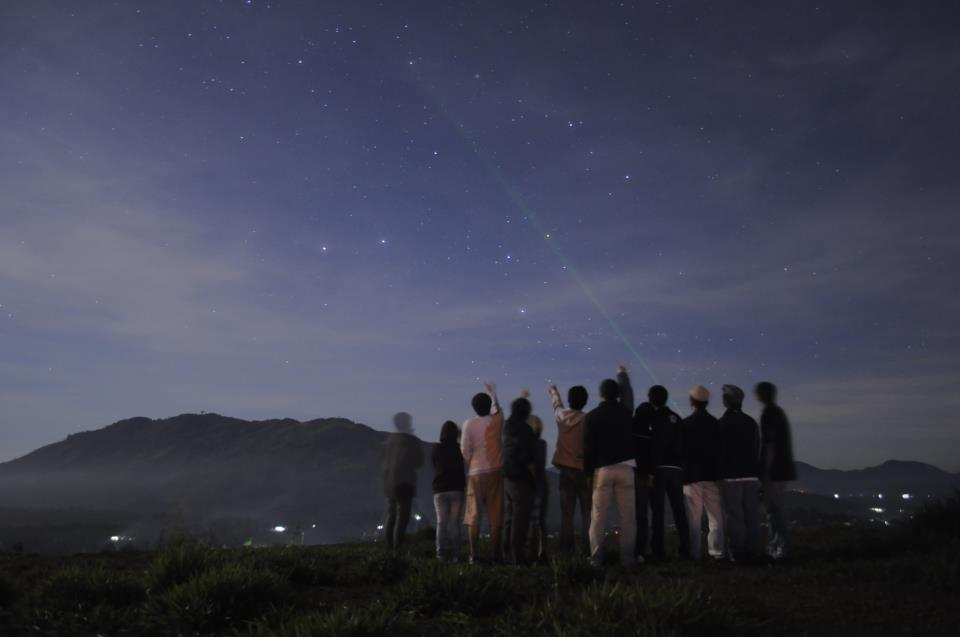 Coordinating Astronomy for Public Outreach in Vietnam: Bringing Astronomy to Remote Areas